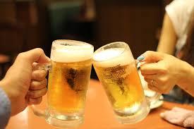 フリー写真] 生ビールで乾杯でアハ体験 - GAHAG | 著作権フリー写真 ...